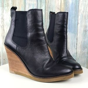 Leather pull on boots
